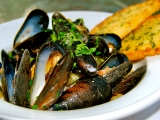 Pancetta, Fennel, and White Wine Steamed Mussels